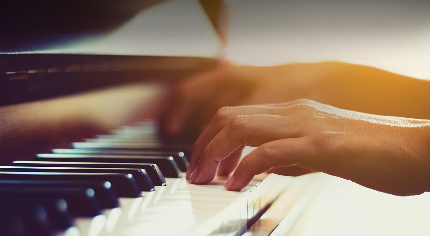 Private piano lessons from best piano teacher Singapore